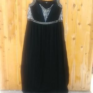 Elegant Black Maxi Dress
